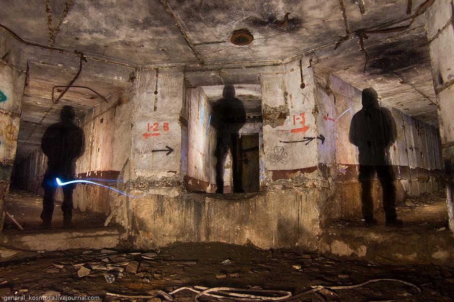 с. Якушинци, заброшенный комплекс РВСН «Двина», 2011 | 30 сек., f/5.6, ISO 200, ФР 16 мм | фонарь с галогеновой лампой