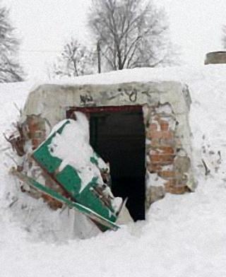 Вскрытое бомбоубежище в ковельском парке